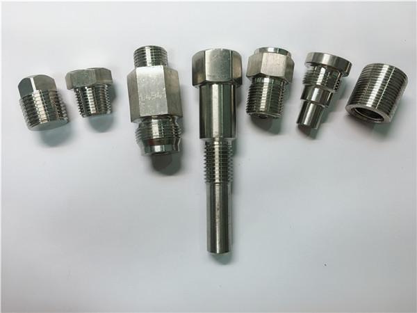 hoë kwaliteit oem draaibank masjien vlekvrye staal hegstukke gemaak van CNC-bewerking